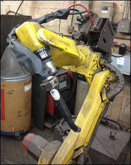 D/F Air-Cooled Curved Robotic Torch on Fanuc ArcMate Robot